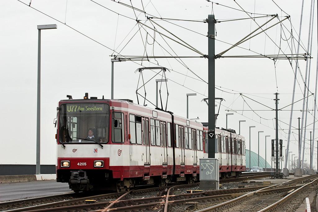 4205 and 4210, Luegplatz 7/3/2013