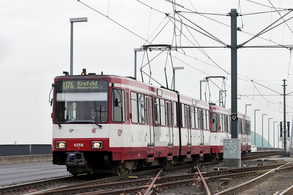 4258 and 4234, Luegplatz 7/3/2013