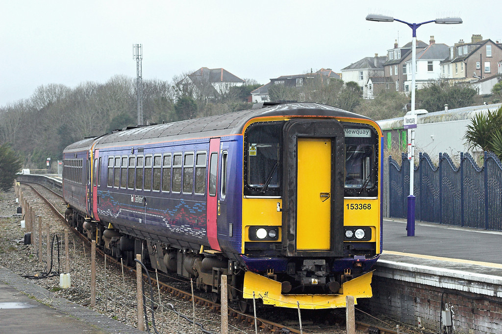 153368 and 153305, Newquay 8/4/2013<br /> 2N09 1722 Newquay-Par