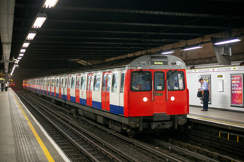 Hammersmith & City Line 5516, Euston Square 8/8/2013