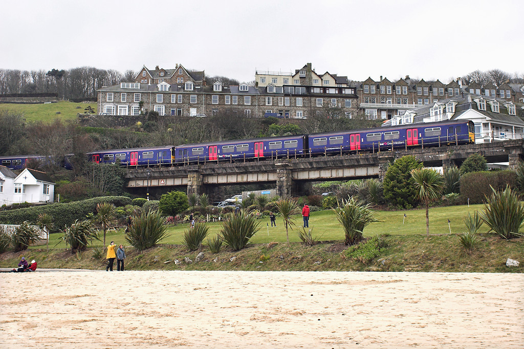 150122 and 150129, St Ives 9/4/2013<br /> 2A16 1133 St Ives-St Erth
