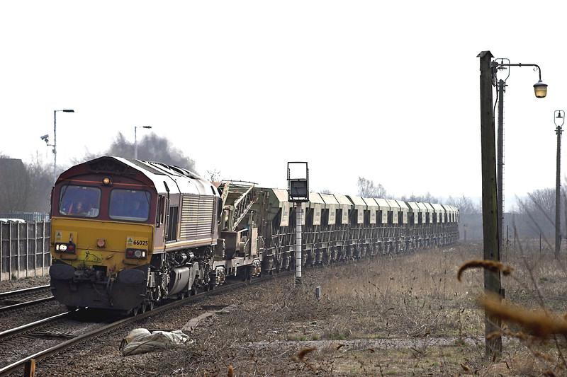 66025 Kettering 10/4/2013<br /> 6M32 1054 Chelmsford-Mountsorrel
