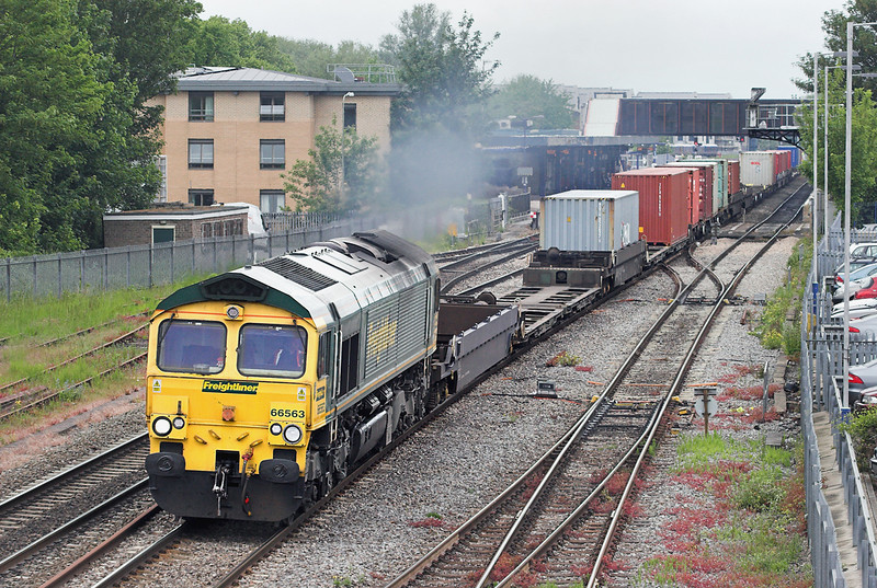 66563 Oxford 10/6/2013<br /> 4O14 0518 Basford Hall-Southampton MT