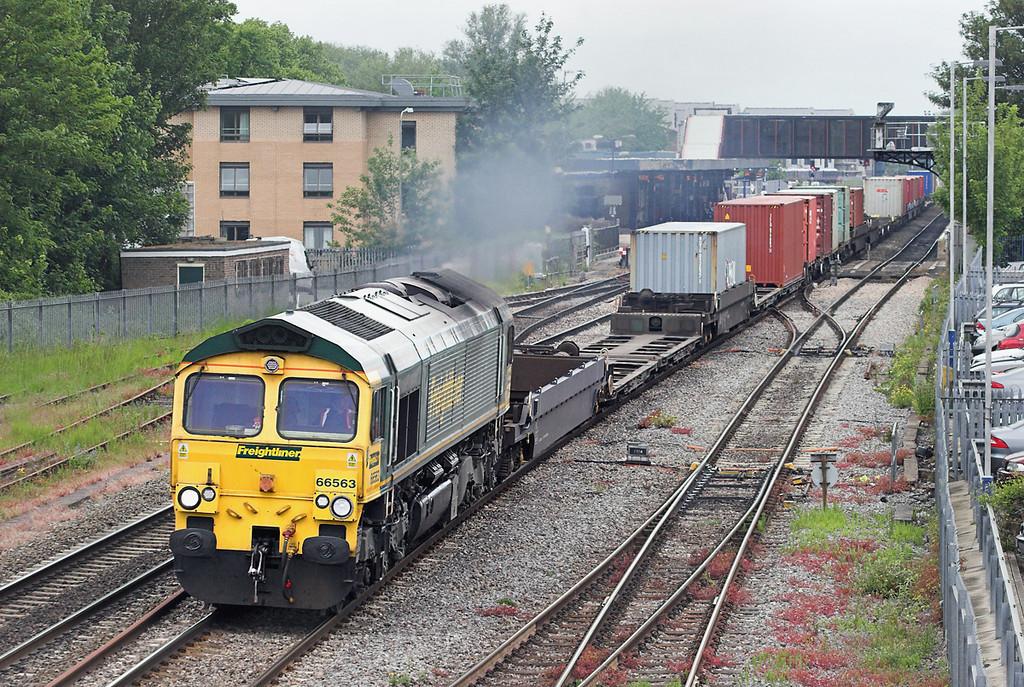 66563 Oxford 10/6/2013<br /> 4O14 0518 Basford Hall-Southampton MT