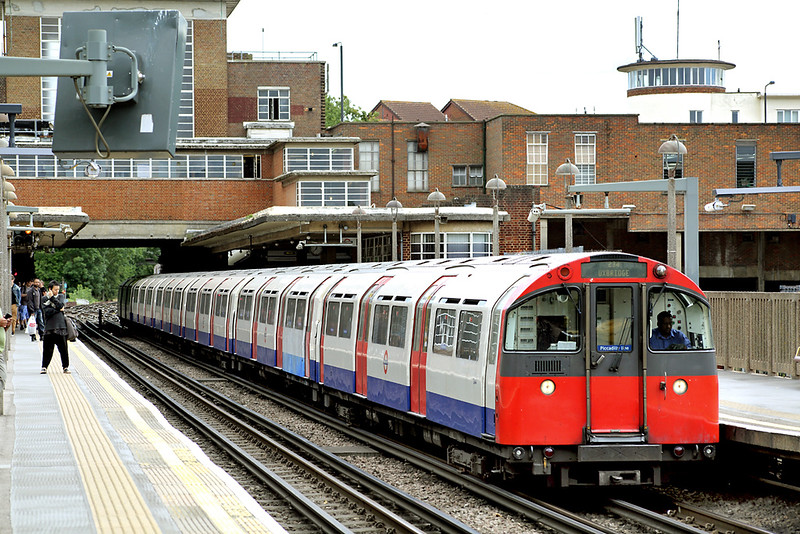 Piccadilly Line 244, Rayners Lane 10/8/2013