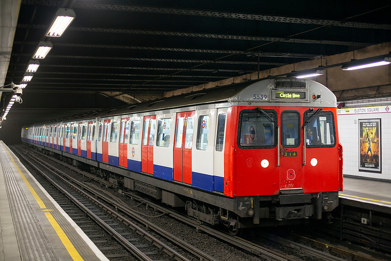 Circle Line 5539, Euston Square 10/8/2013