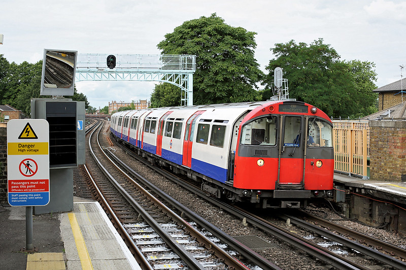 Piccadilly Line 189, Ravenscourt Park 10/8/2013