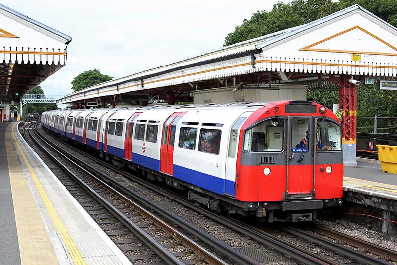 Piccadilly Line 213, Ravenscourt Park 10/8/2013