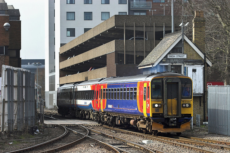 153383 and 158858, Lincoln Central 12/4/2013<br /> 2L71 1325 Leicester-Lincoln Central