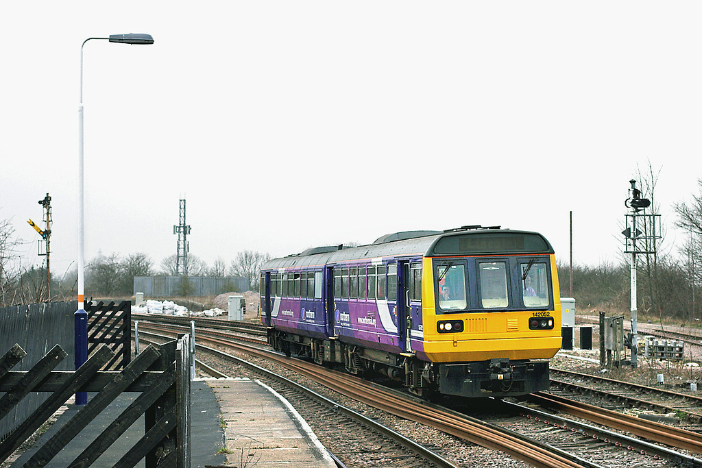 142052 Gainsborough Lea Road 12/4/2013<br /> 2P75 1613 Doncaster-Lincoln Central