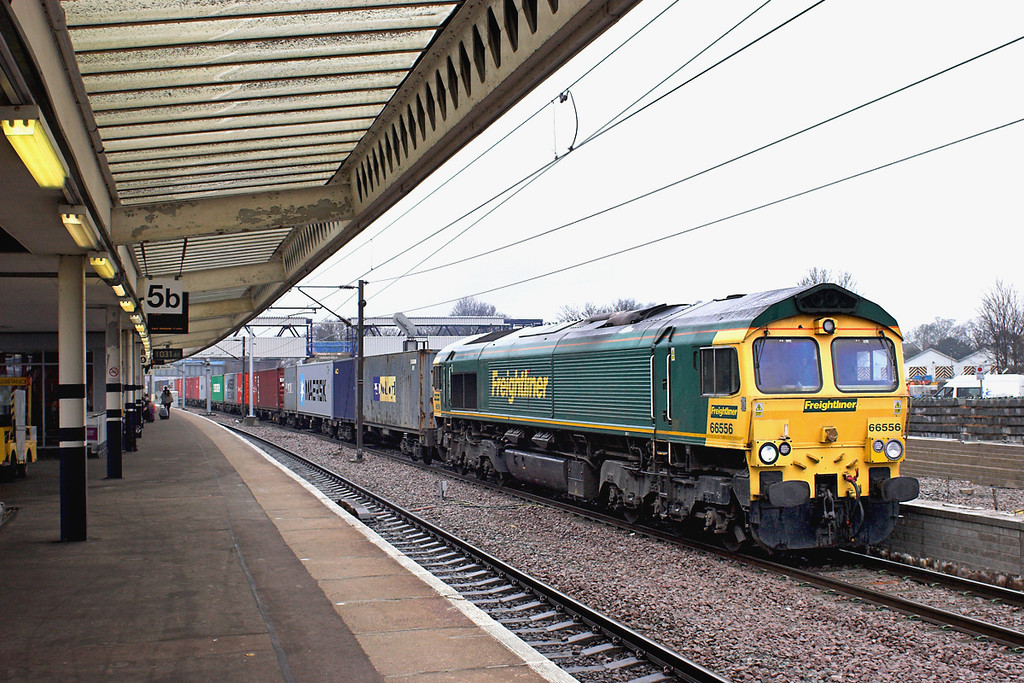 66556 Peterborough 12/4/2013<br /> 4E22 0541 Felixstowe FLT-Leeds FLT