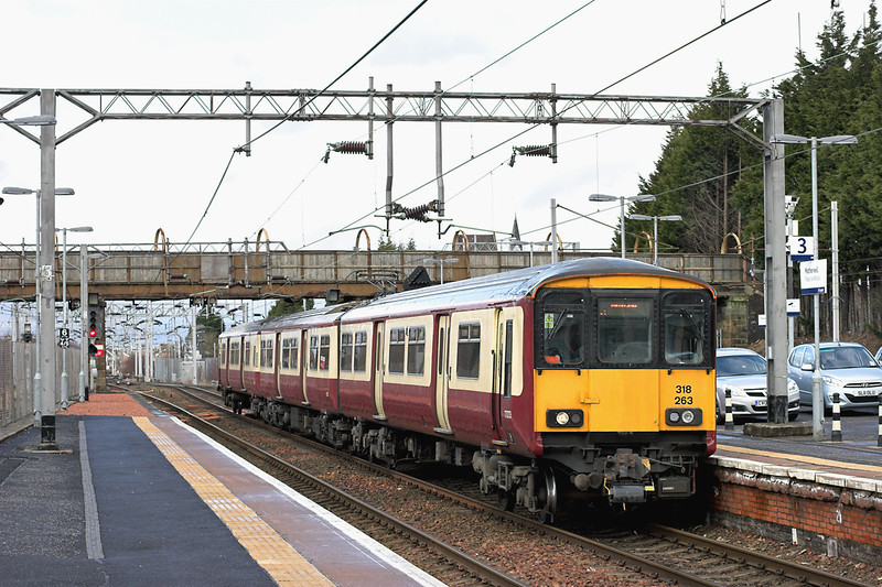 318263 Motherwell 15/3/2013<br /> 2F15 1253 Lanark-Milngavie