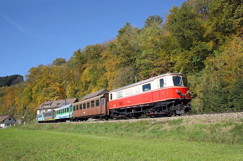 1099 014 Frankenfels 15/10/2013<br /> P6804 1053 Mariazell-St Pölten Hbf