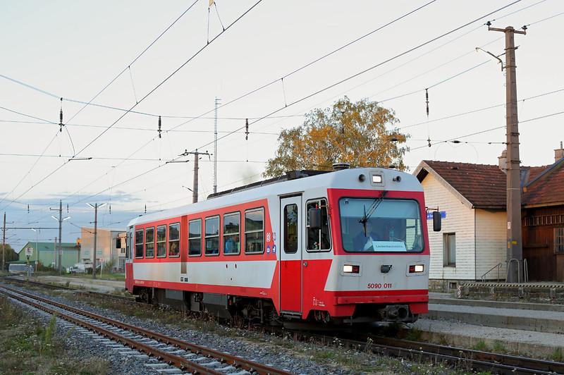 5090 011 Ober Grafendorf 15/10/2013<br /> P6835 1735 St Pölten Hbf-Laubenbachmuhle