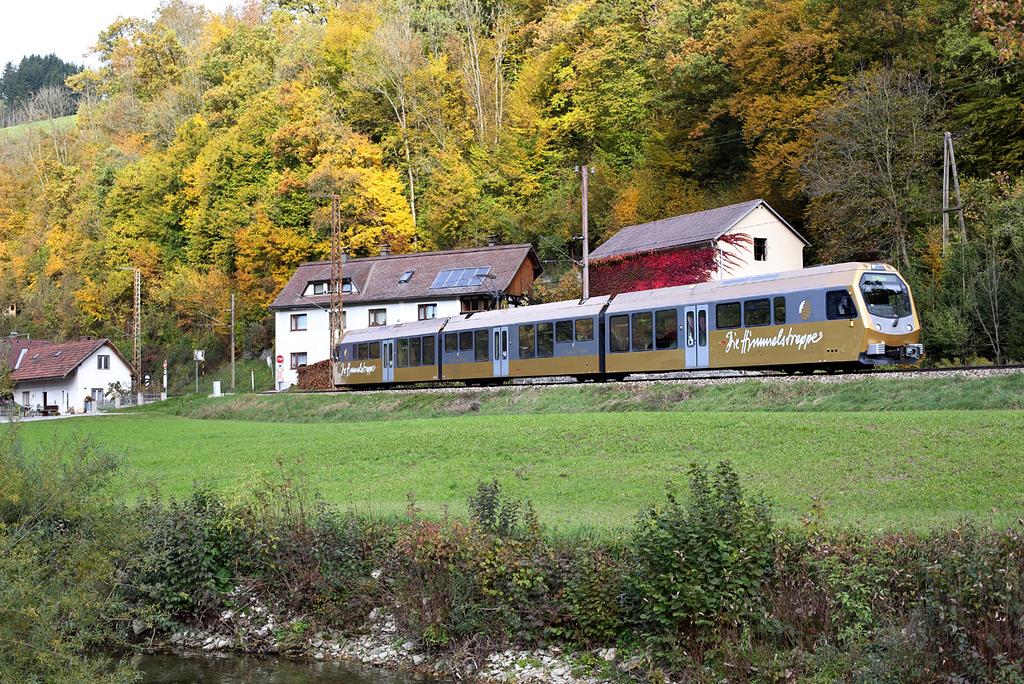 ET2 Frankenfels 15/10/2013<br /> P6802 0753 Mariazell-St Pölten Hbf