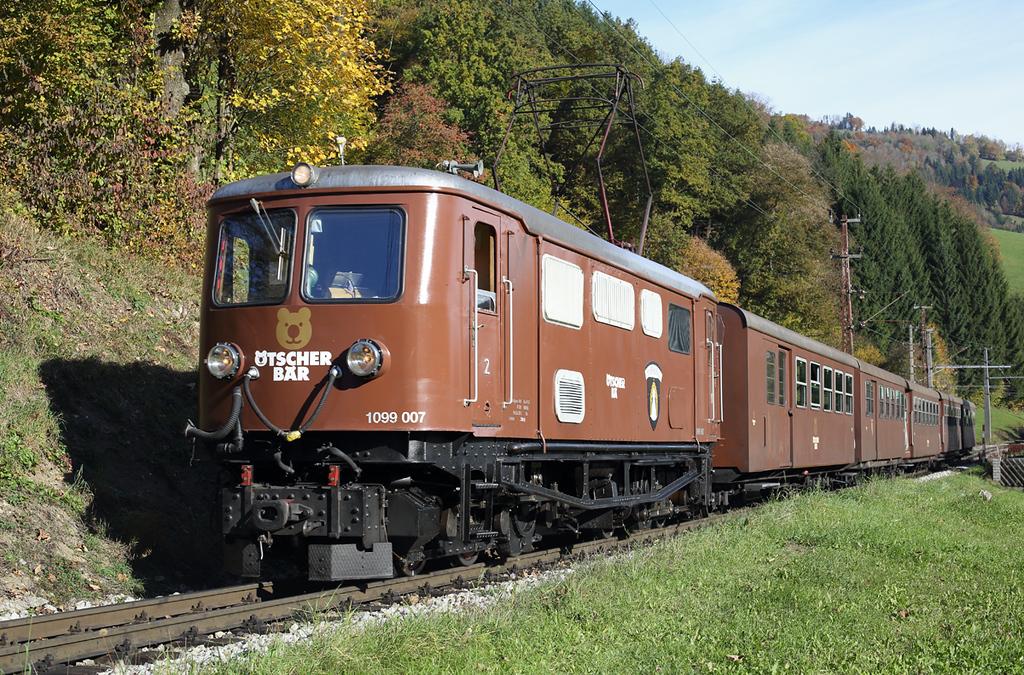 1099 007 Frankenfels 15/10/2013<br /> P6807 0830 St Pölten Hbf-Mariazell