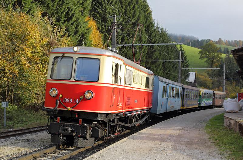 1099 014 Frankenfels 15/10/2013<br /> P6805 0730 St Pölten Hbf-Mariazell