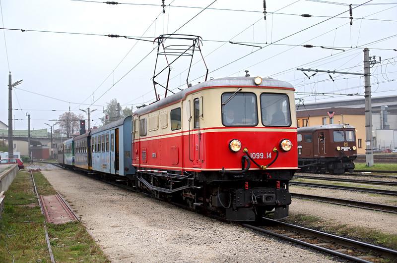 1099 014 St Pölten Alpenbahnhof 15/10/2013<br /> P6805 0730 St Pölten Hbf-Mariazell