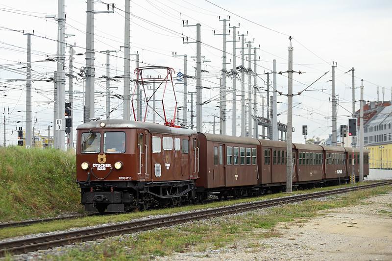1099 013 St Pölten Hbf 16/10/2013<br /> P6807 0830 St Pölten Hbf-Mariazell