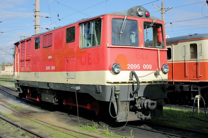 2095 009 St Pölten Alpenbahnhof 17/10/2013