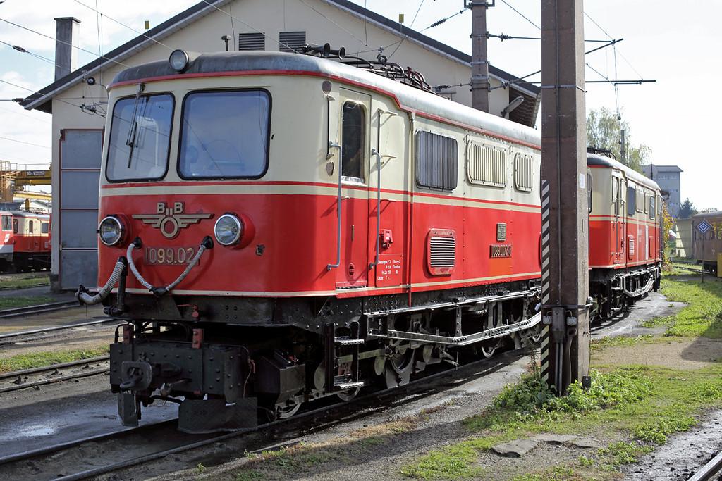 1099 002 St Pölten Alpenbahnhof 17/10/2013