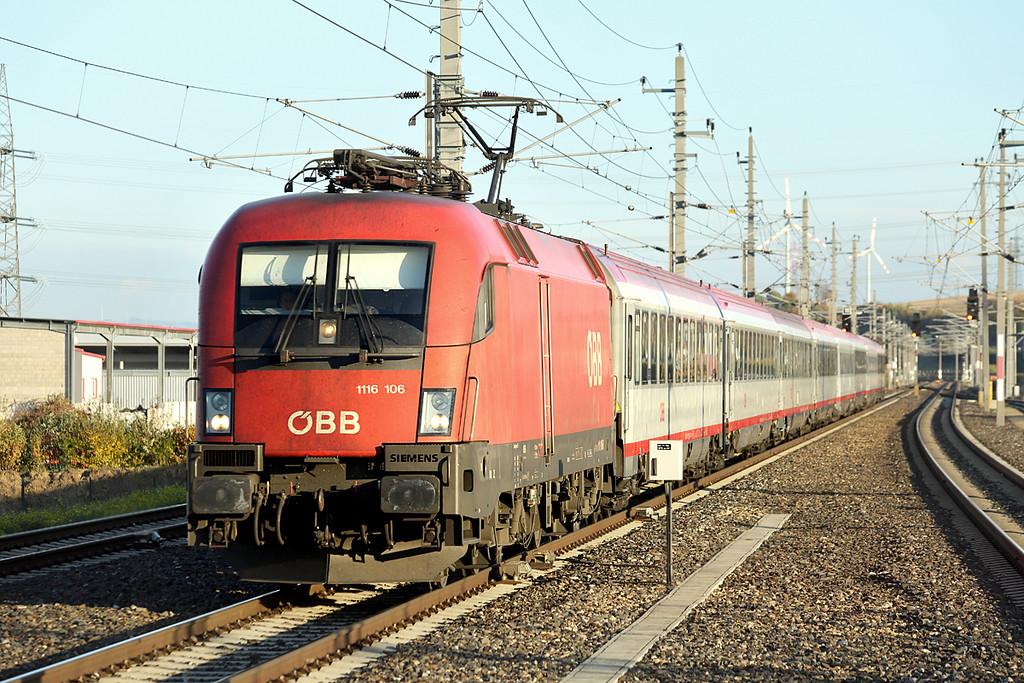 1116 106 Loosdorf 17/10/2013<br /> REX1942 1608 Wien Westbahnhof-St Valentin