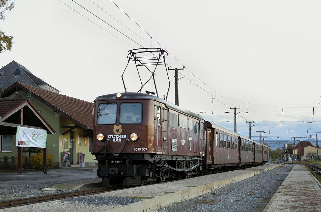 1099 007 Ober Grafendorf 17/10/2013<br /> P6810 1553 Mariazell-St Pölten Hbf