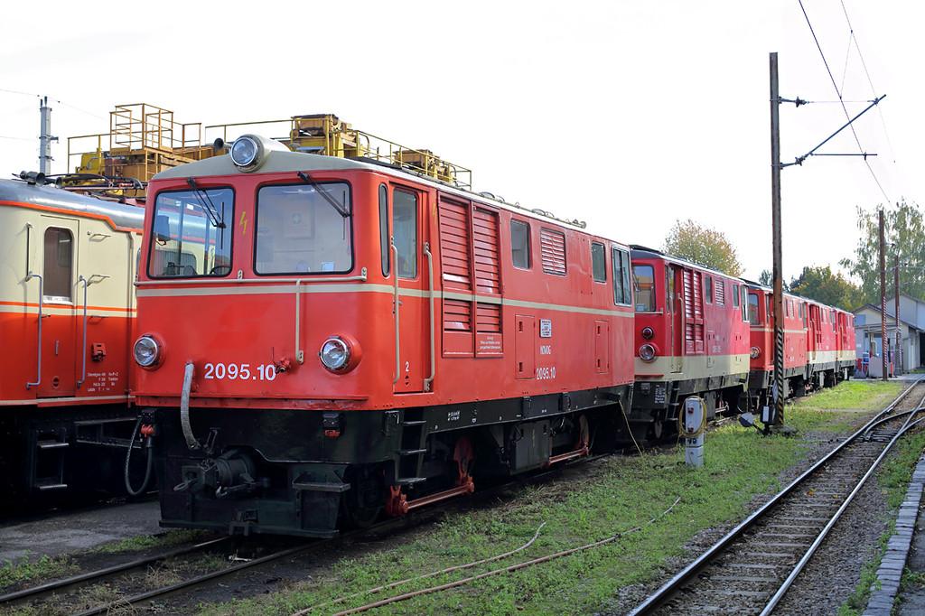 2095 010, 2095 015, 2095 013, 2095 008 and 2095 007, St Pölten Alpenbahnhof 17/10/2013
