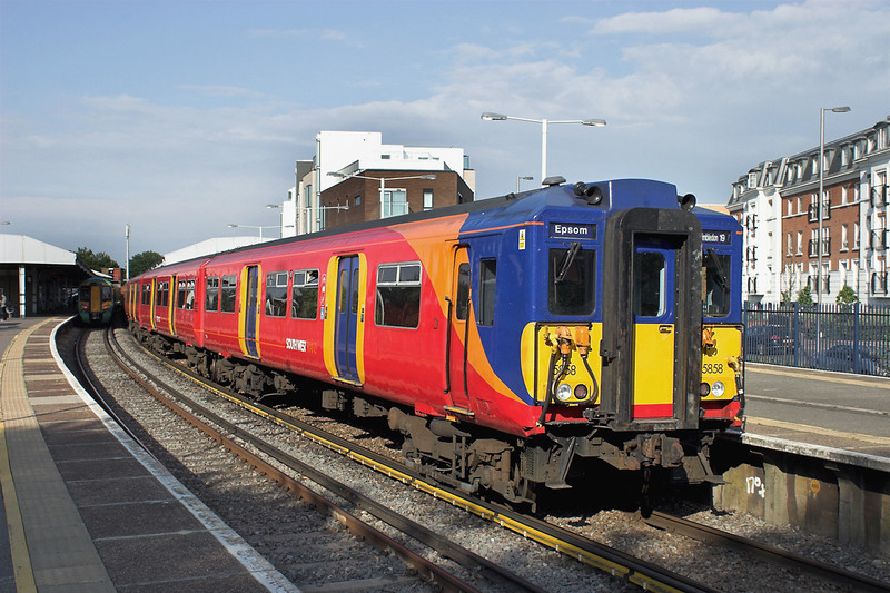 5858 Epsom 21/6/2013<br /> 2D91 1730 London Waterloo-Epsom