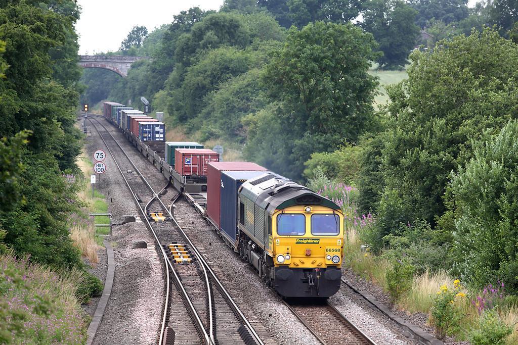 66568 Hatton North Junction 23/7/2013<br /> 4O55 1212 Leeds FLT-Southampton MT