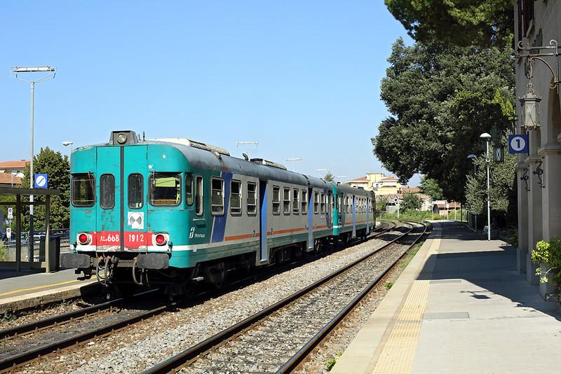ALn668-1912 Certaldo 24/9/2013<br /> R23466 1041 Siena-Empoli