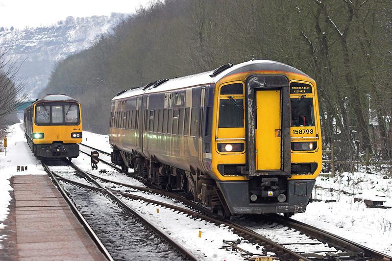 158793 and 144014, Hebden Bridge 25/1/2013<br /> 158793: 2M14 0837 Leeds-Manchester Victoria<br /> 144014: 2U05 0941 Hebden Bridge-Leeds