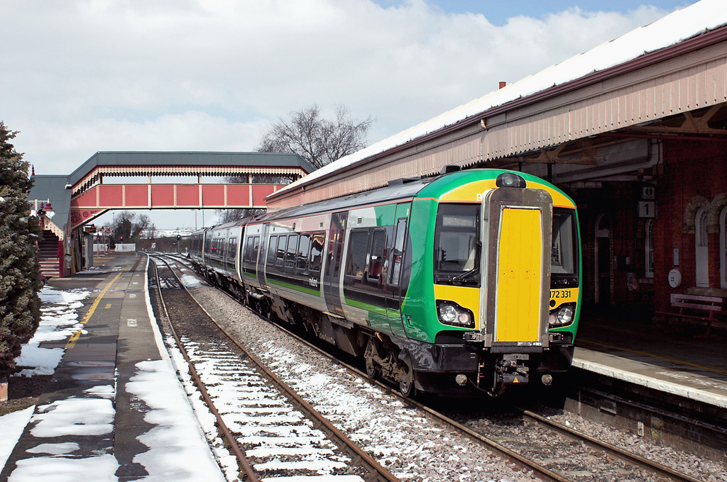 172331 Stratford-upon-Avon 25/3/2013<br /> 2J49 1326 Stratford upon Avon-Stourbridge Junction