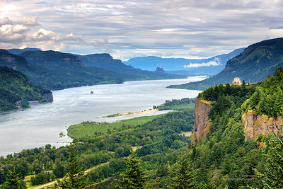 Vista House Overlooking the Columbia Gorge