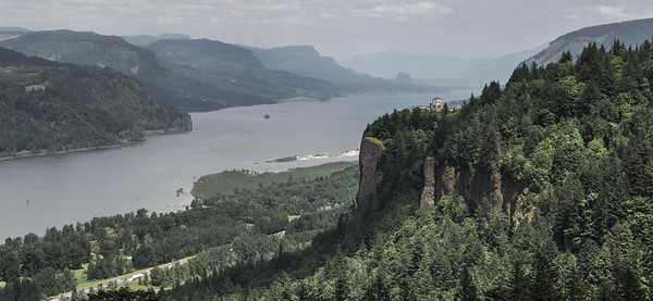 Crown Point along th Historic Columbia River Highway 30