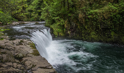 Eagle Creek Trail No. 440 - Punchbowl Falls