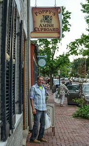 Poppy shopping at Poppy's (St. Charles)