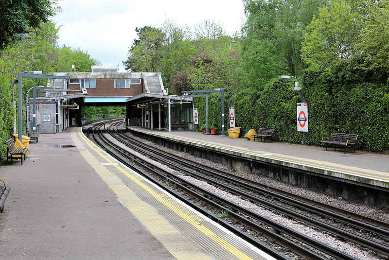 Ickenham (London Underground) 2/5/2014