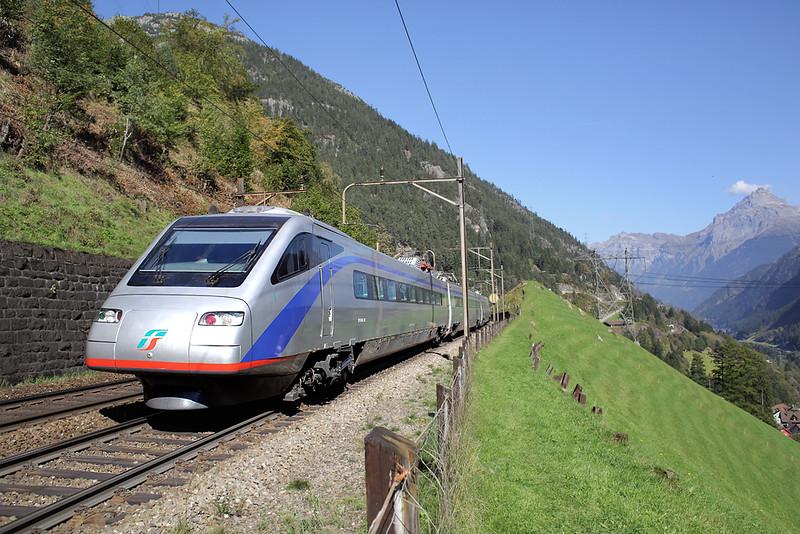 470001 Wassen 2/10/2014<br /> EC10317 1132 Zürich HB-Milano Centrale