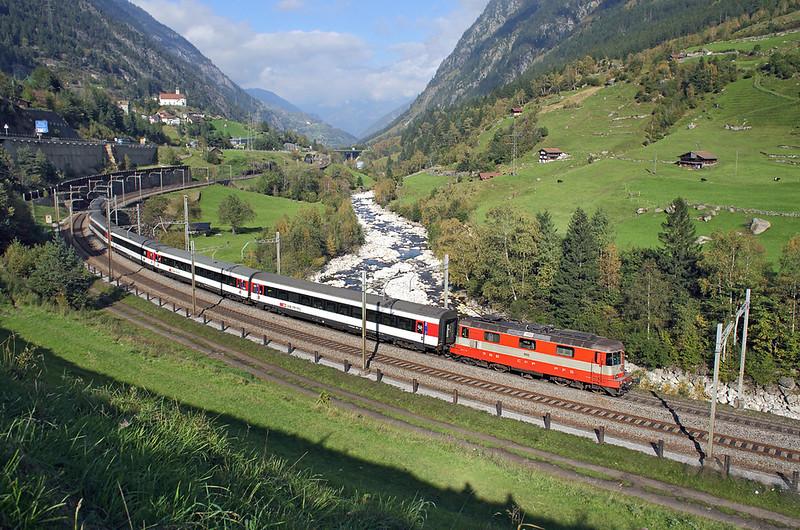 11108 Wassen 2/10/2014<br /> IR2275 1409 Zürich HB-Locarno