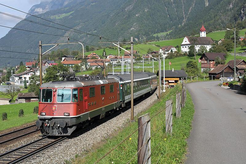11214 Silenen 3/10/2014<br /> IR2271 1209 Zürich HB-Locarno