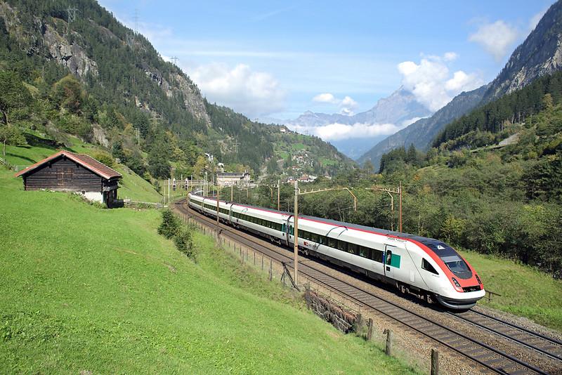 500017 Gurtnellen 3/10/2014<br /> ICN673 1309 Zürich HB-Lugano