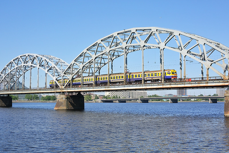 ER2T-7113 Riga 7/6/2014<br /> EV6720 0931 Jelgava-Riga Pasažieru