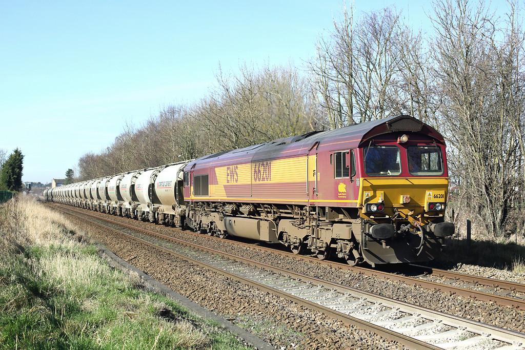 66201 Bamber Bridge 11/3/2014<br /> 6Z94 0501 Avonmouth-Clitheroe