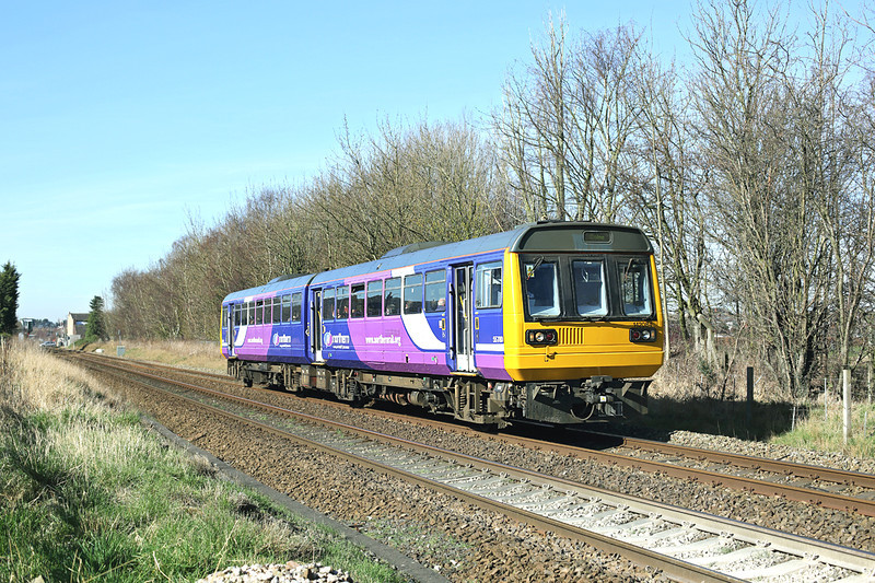 142084 Bamber Bridge 11/3/2014<br /> 2N18 1044 Blackpool South-Colne