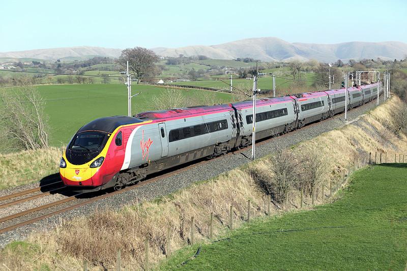 390152 Docker 11/3/2014<br /> 9M56 1251 Edinburgh-London Euston