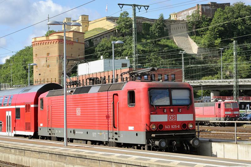 143925 Koblenz Hbf 12/8/2014<br /> RB12512 1018 Koblenz Hbf-Rommerskirchen