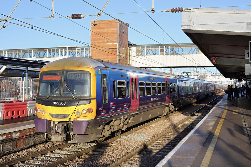365508 and 365522, Peterborough 13/1/2014<br /> 1P57 0946 Peterborough-London Kings Cross