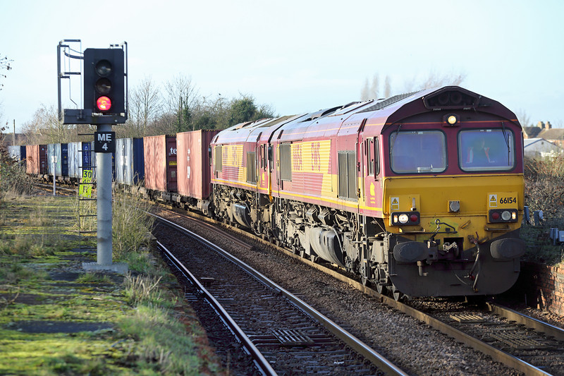 66154 and 66019, March 13/1/2014<br /> 4L45 0936 Wakefield Europort-Felixstowe FLT