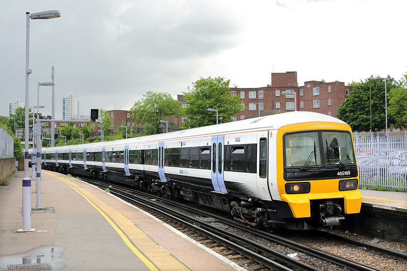 465169 Woolwich Arsenal 13/5/2014<br /> 2A36 1154 Gillingham-London Charing Cross